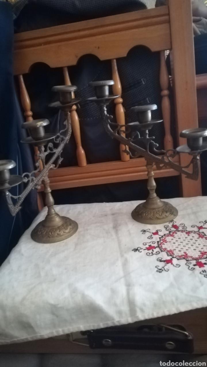 2 ANTIGUOS CANDELABROS (Antigüedades - Hogar y Decoración - Portavelas Antiguas)