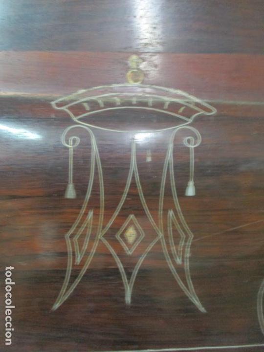 Antigüedades: Antigua Cama Isabelina - Madera Jacarandá, Marquetería de Zinc - Patas de Cuello de Cisne - S. XIX - Foto 19 - 159235810
