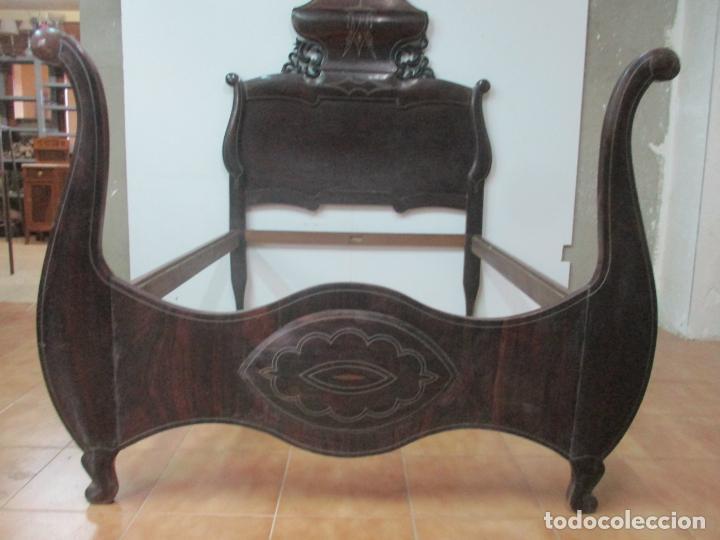 Antigüedades: Antigua Cama Isabelina - Madera Jacarandá, Marquetería de Zinc - Patas de Cuello de Cisne - S. XIX - Foto 27 - 159235810