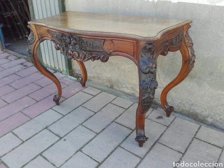 ELEGANTE CONSOLA ISABELINA DE NOGAL, SIGLO XIX. (Antigüedades - Muebles Antiguos - Consolas Antiguas)