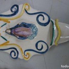Antigüedades: BENDITERA DE LOZA DEL SIGLO XX. Lote 159267194
