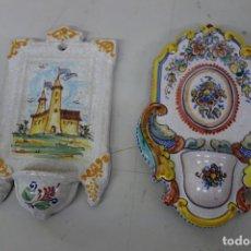 Antigüedades: PAREJA DE BENDITERAS DE LOZA DEL SIGLO XX. Lote 159272066