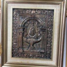 Antigüedades: ANTIGUA PLACA DE LA VIRGÉN DE BEGOÑA REALIZADA EN COBRE CON BAÑO DE PLATA . Lote 159294410