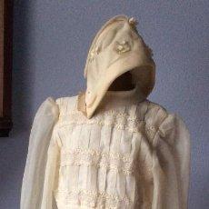 Antigüedades: PRECIOSO VESTIDO DE COMUNIÓN ANTIGUO CON TOCADO . Lote 159297138