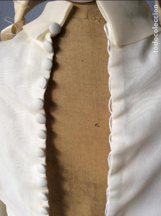 Antigüedades: PRECIOSO VESTIDO ANTIGUO DE NIÑA CON TOCADO - Foto 6 - 159297138