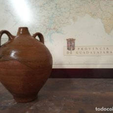 Antigüedades: BONITA BOTIJA ESMALTADA. CERÁMICA POPULAR EXTINGUIDA DE GUADALAJARA. . Lote 159303210