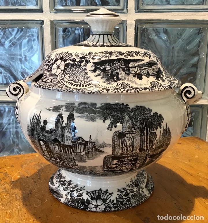 SOPERA ESTILO PICKMAN , AÑOS 30 (Antigüedades - Porcelanas y Cerámicas - Otras)