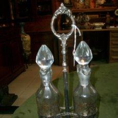 Antigüedades: VINAGRERAS, METAL Y CRISTAL. Lote 159357934