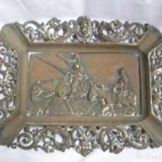 Antigüedades: CENICERO DE CALAMINA-CON GRABADO DEL QUIJOTE. Lote 159368722