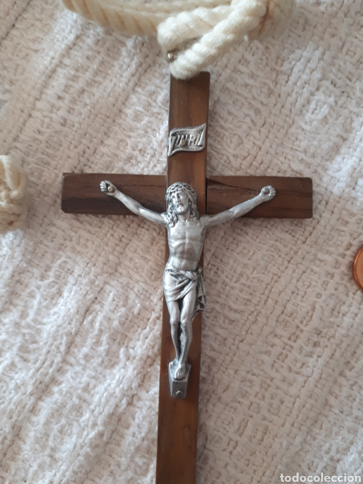 Antigüedades: Cruz crucifijo madera metal plateada cordón - Foto 2 - 159372478