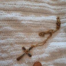 Antigüedades - Cruz crucifijo metal dorada tipo damasquinado Toledo con cadena - 159381594