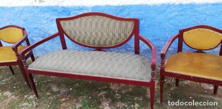 SOFA ANTIGUO, EL DE LA FOTO DE 129 CMS. DE LARGO X 47 DE FONDO Y 82 DE ALTO (Antigüedades - Muebles Antiguos - Sofás Antiguos)