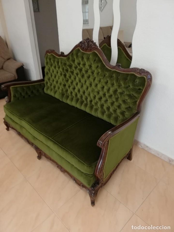 Antigüedades: Extraordinario sofa isabelino de madera de roble maciza tallado,tapizado terciopelo verde. - Foto 3 - 159422950