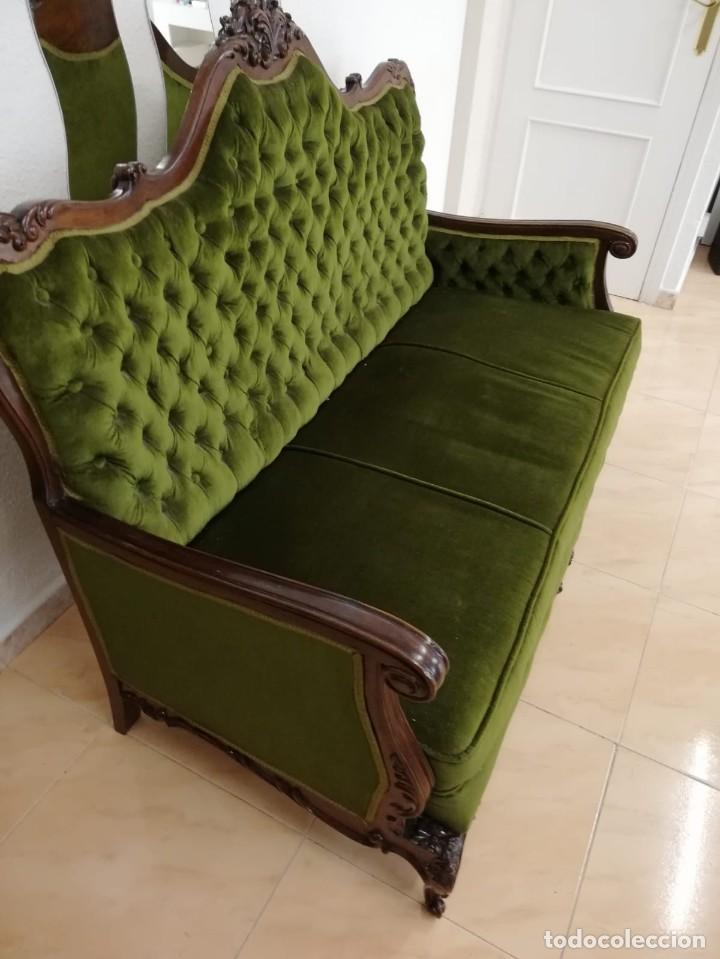 Antigüedades: Extraordinario sofa isabelino de madera de roble maciza tallado,tapizado terciopelo verde. - Foto 7 - 159422950