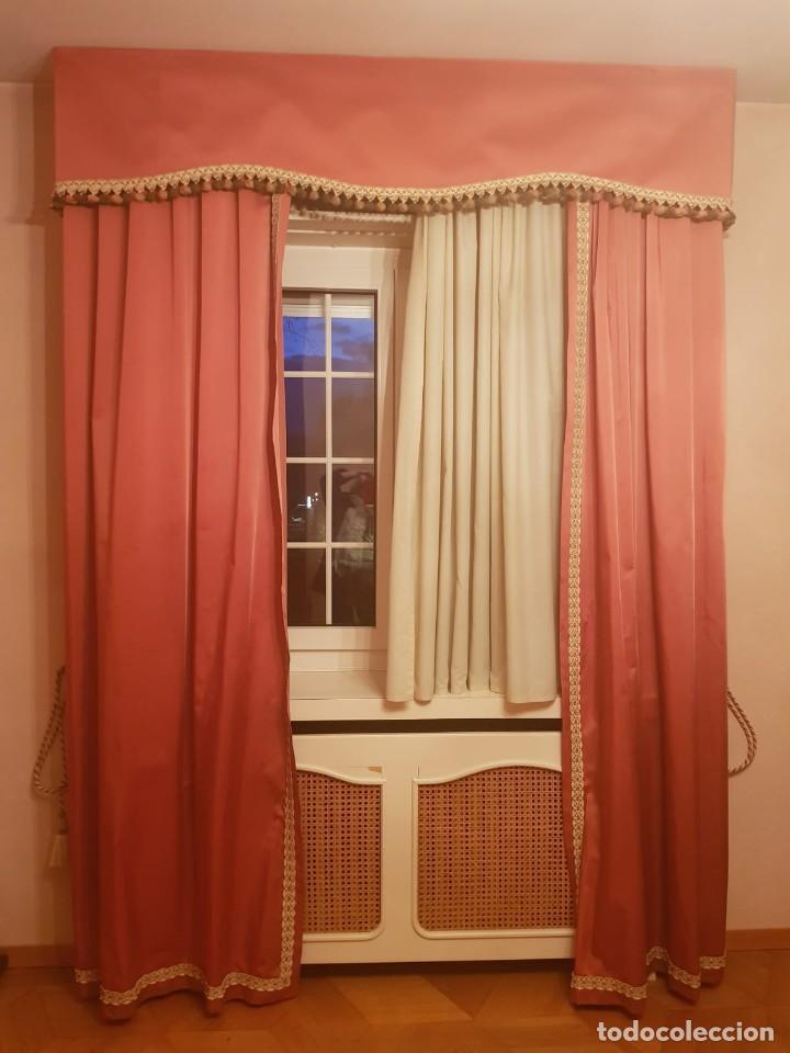 Antigüedades: Precioso conjunto de 5 cortinas antiguas, color rosa y blanco con faldon. - Foto 2 - 159427014