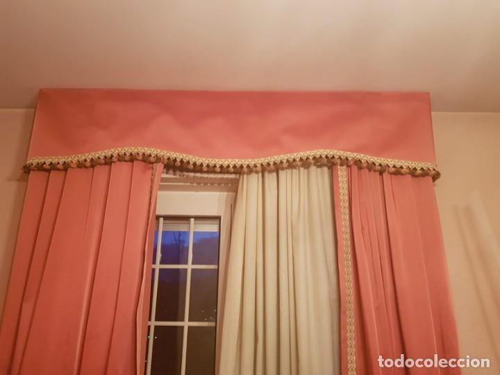 Antigüedades: Precioso conjunto de 5 cortinas antiguas, color rosa y blanco con faldon. - Foto 8 - 159427014