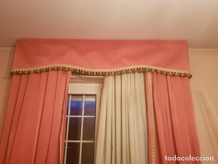 Antigüedades: Precioso conjunto de 5 cortinas antiguas, color rosa y blanco con faldon. - Foto 9 - 159427014
