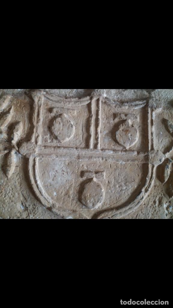 Antigüedades: Excepcional escudo medieval de piedra - Foto 2 - 159439990