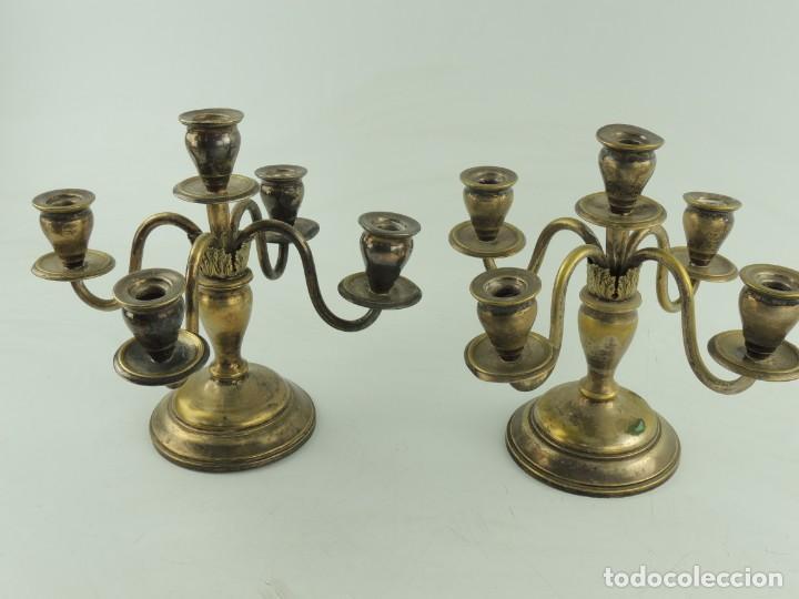 Antiquitäten: Excelente Pareja de Candelabros de Metal Bonito Objeto de Decoración - Foto 8 - 159449498