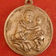 Antigüedades: ANTIGUA MEDALLA DE LA VIRGEN DE LOS DESAMPARADOS Y SAN JOSE DE VALENCIA,30X32MM. Lote 159553786