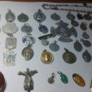 Antigüedades: LOTE RELIGIOSO DE 50 PIEZAS. Lote 159565965