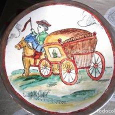 Antigüedades: PLATO CERAMICA PINTADO A MANO J.OLLER MOTIVO OFICIO DE COCHERO 25 CM.. Lote 159611930