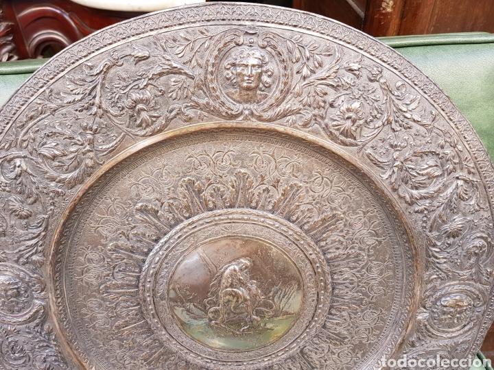 Antigüedades: ANTIGUA BANDEJA BAÑADA EN PLATA ESTILO MODERNISTA MOTIVOS MITOLOGICOS Y VEGETALES ¿ PEDRO DURAN ? - Foto 2 - 159613705