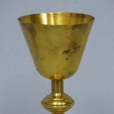 Antigüedades: ANTIGUO CALIZ DE METAL DORADO. PRINCIPIOS SIGLO XX. Lote 159678502