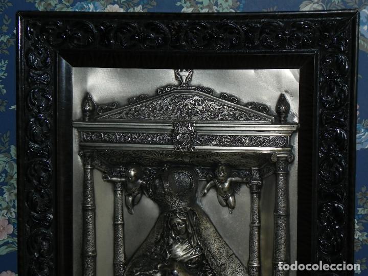 Antigüedades: ** PRECIOSO CUADRO VIRGEN DEL CAMINO EN COBRE REPUJADO BAÑADO EN PLATA - FIRMADO MORERA ** - Foto 2 - 159691130