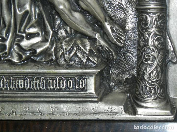 Antigüedades: ** PRECIOSO CUADRO VIRGEN DEL CAMINO EN COBRE REPUJADO BAÑADO EN PLATA - FIRMADO MORERA ** - Foto 8 - 159691130