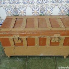 Antigüedades: BAÚL ANTIGUO DE MADERA. Lote 159710400
