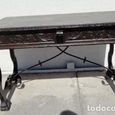 Antigüedades: MESA DE DESPACHO ESTILO RENACIMIENTO EN MADERA TALLADA . Lote 159740278