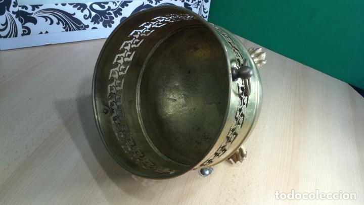 Antigüedades: BOTITO MACETERO GRANDE ANTIGUO DE METAL BRONCEADO - Foto 11 - 159768254