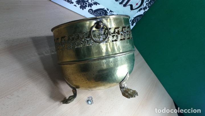 Antigüedades: BOTITO MACETERO GRANDE ANTIGUO DE METAL BRONCEADO - Foto 12 - 159768254