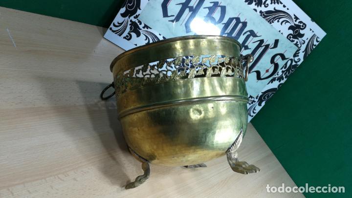 Antigüedades: BOTITO MACETERO GRANDE ANTIGUO DE METAL BRONCEADO - Foto 17 - 159768254