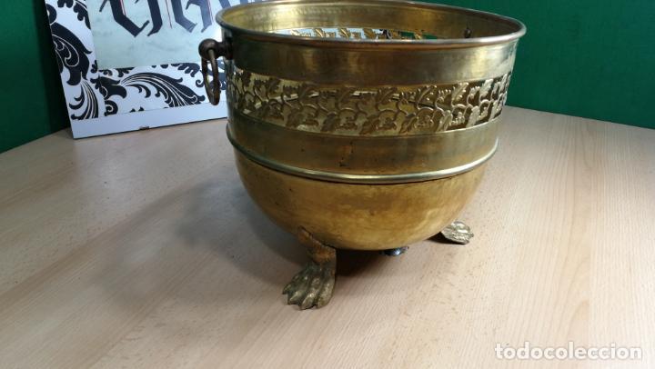 Antigüedades: BOTITO MACETERO GRANDE ANTIGUO DE METAL BRONCEADO - Foto 31 - 159768254