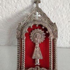 Antigüedades: CAPILLA DE LA VIRGEN DEL PILAR - METAL Y TERCIOPELO. ESPAÑA, SOBRE 1960. Lote 159774314