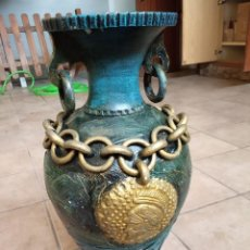Antigüedades: GRAN JARRÓN DE CERÁMICA VERDE TURQUESA - PERFIL ROMANO - FINALES S.XIX / PRINCIPIO S.XX.. Lote 159820562