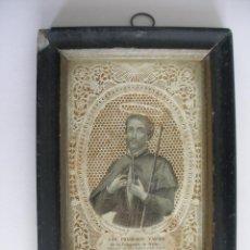 Antigüedades: ANTIGUA ESTAMPA CALADA ENMARCADA SAN FRANCISCO JAVIER PRINCIPIO S.XX. Lote 160070650