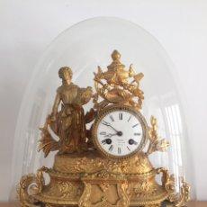 Antigüedades: ANTIGUO RELOJ FRANCÉS DE CALAMINA SIGLO XIX CON FANAL. Lote 160107940