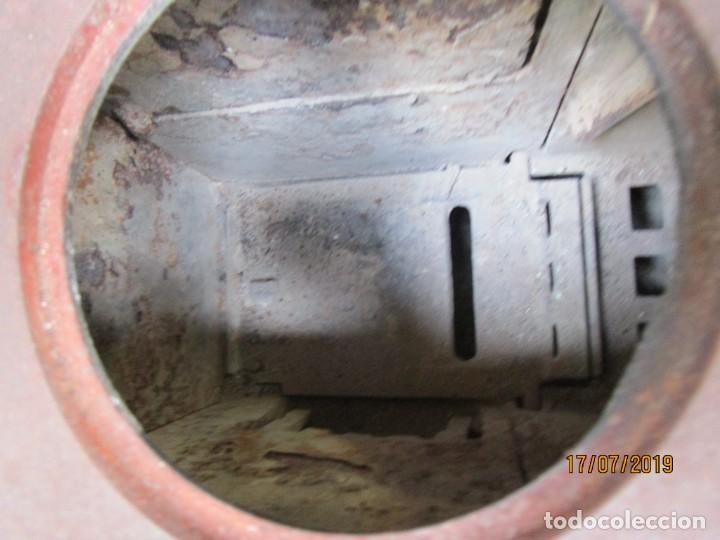 Antigüedades: ANTIGUA ESTUFA COCINA LEÑA Y/O CARBON DE LOS 40'S, HIERRO ESMALTADO, MARCA ' GODIN ' + INFO Y FOTOS - Foto 4 - 160168466