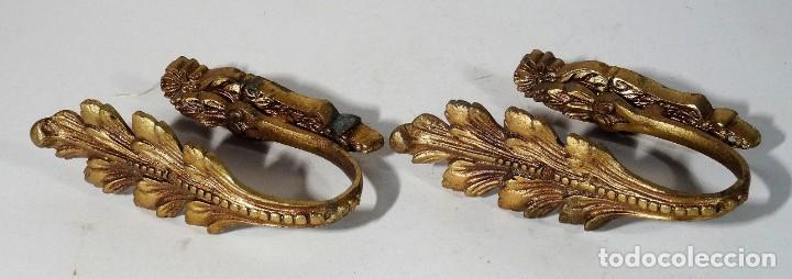 PAREJA DE ALZAPAÑOS DE BRONCE (Antigüedades - Hogar y Decoración - Cortinas Antiguas)