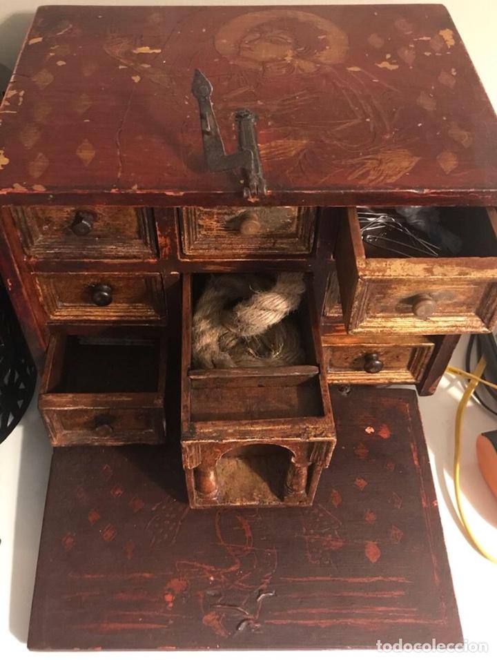 Antigüedades: Bargueño, cajón secreto, llave original. - Foto 2 - 134775359