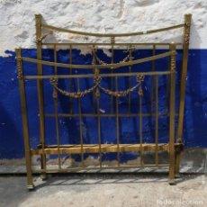Antiquités: CAMA ANTIGUA DE HIERRO Y LATON NIQUELADO DE 1 METRO Y 10 DE LARGAS ALTURA CABECERO 1,23. Lote 160269422