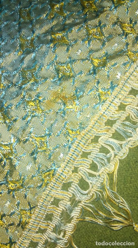 Antigüedades: Preciosa colcha antigua con motivos exoticos - Foto 10 - 160274470