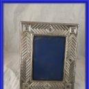 Antigüedades: MARCO DE FOTOS DE PLATA MACIZA PUNZON ESTRELLA. Lote 160277018