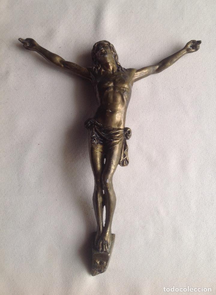 ANTIGUO CRISTO EN METAL DORADO MEDIDAS APROX. 22X19 (Antigüedades - Religiosas - Artículos Religiosos para Liturgias Antiguas)