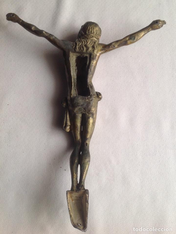Antigüedades: ANTIGUO CRISTO EN METAL DORADO MEDIDAS APROX. 22x19 - Foto 6 - 160283234