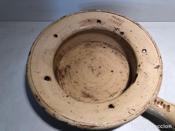Antigüedades: BACINILLA O CUÑA DE CERAMICA POPULAR CATALANA ANTIGUA - Foto 2 - 160336922