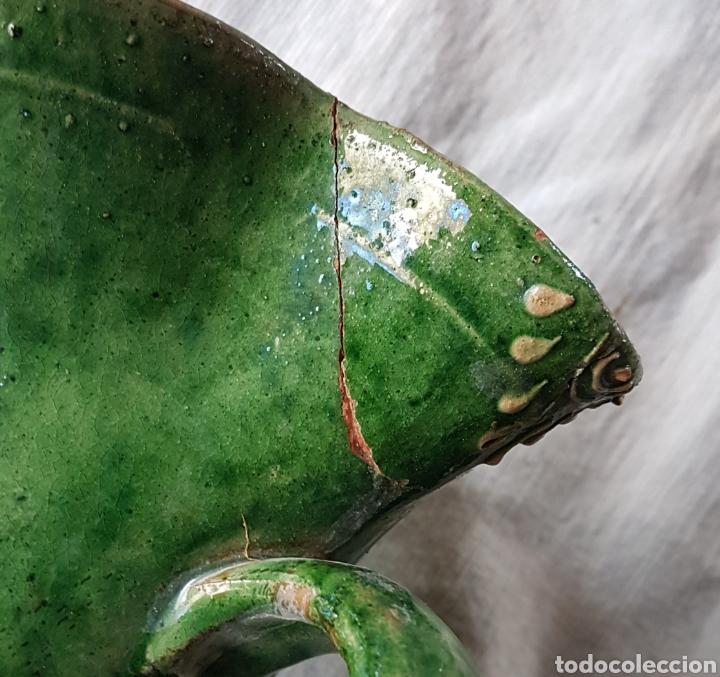 Antigüedades: Antigua jarra de vino vidriada verde Ubeda - Foto 4 - 160342617